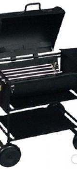 Barbecue en métal noir sur roulettes