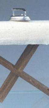 Planche à repasser avec fer