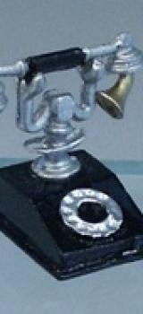 Téléphone ancien en métal