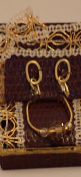 parure de bijoux dans son écrin Prune